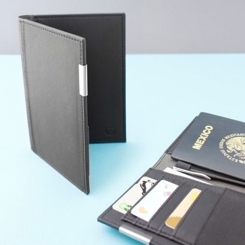 Porta Pasaporte Takayama Chisaii